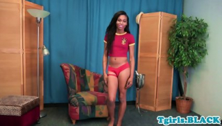 Gorgeous ebony ts wanking in solo scene