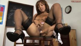 Woman In Stockings Kayla Gets Break Time Pleasures